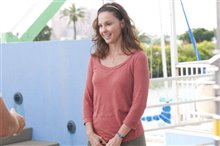 Dolphin Tale Photo 16