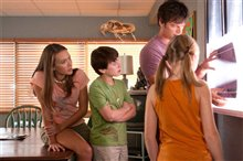 Dolphin Tale Photo 26