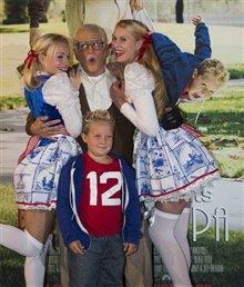 Jackass Presents: Bad Grandpa Photo 30