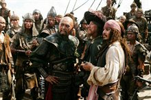 Pirates of the Caribbean: At World's End Photo 2