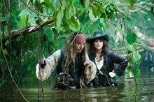 Pirates of the Caribbean: On Stranger Tides Photo 3