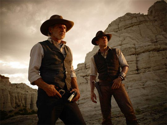 Cowboys & Aliens Photo 2 - Large