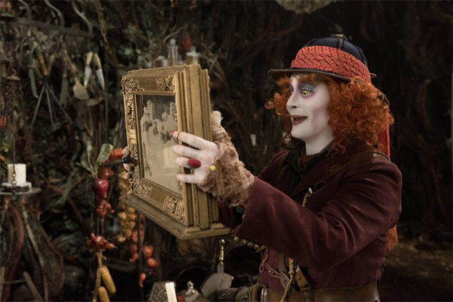 Alice Through the Looking Glass Photo 28 - Large