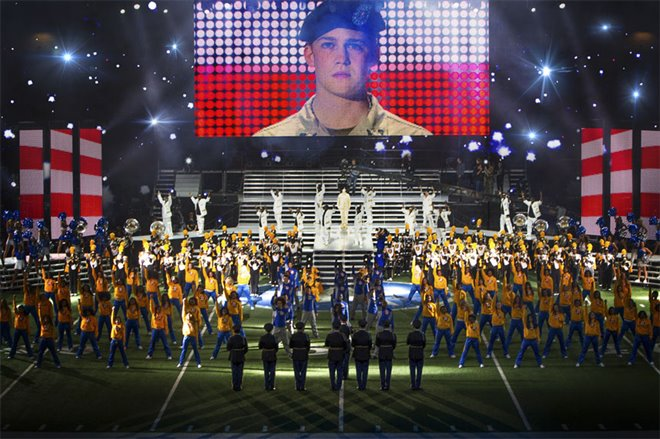 Billy Lynn's Long Halftime Walk Photo 3 - Large