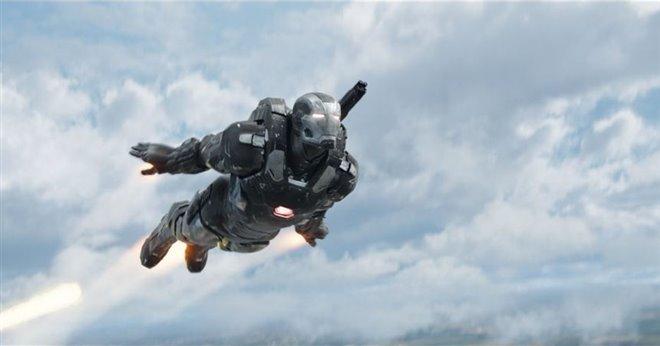 Captain America: Civil War Photo 16 - Large