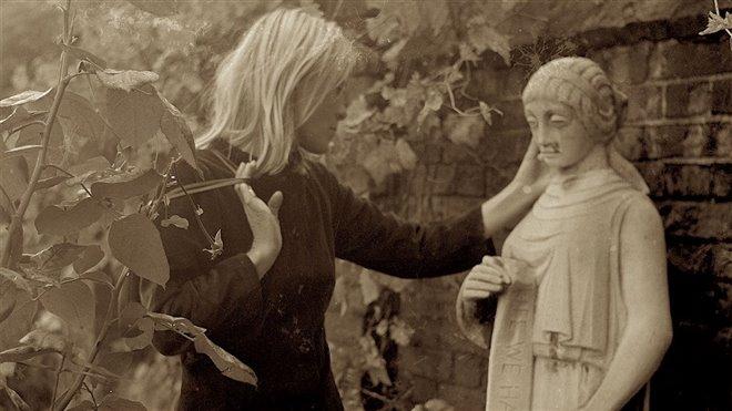 Marianne & Leonard: Words of Love Photo 4 - Large