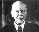 Sir John Gielgud photo